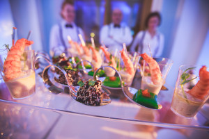 food catering_534729943